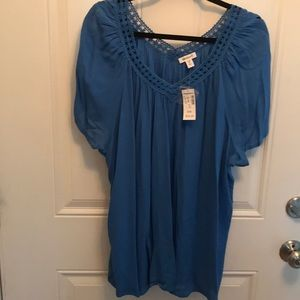 Dress Barn 2X Blue V-Neck with short sleeves.